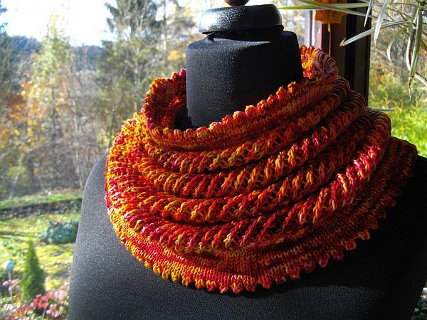 "Willow Cowl KAL ""Das Reife"""